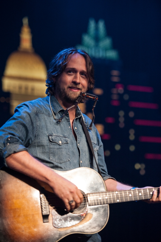 The Texan - Hayes Carll - 2-23-17.jpg